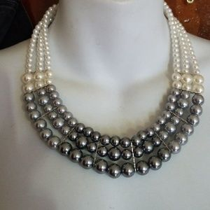 Jewelry - Beautiful gray and white fancy fashion pearls